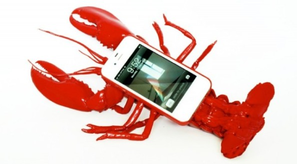 lobster-phone-case-silly-iphone-640x353